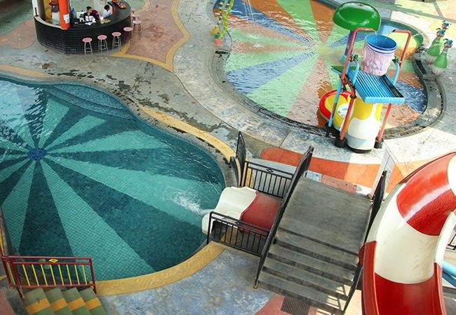 gambar kolam renang indraloka