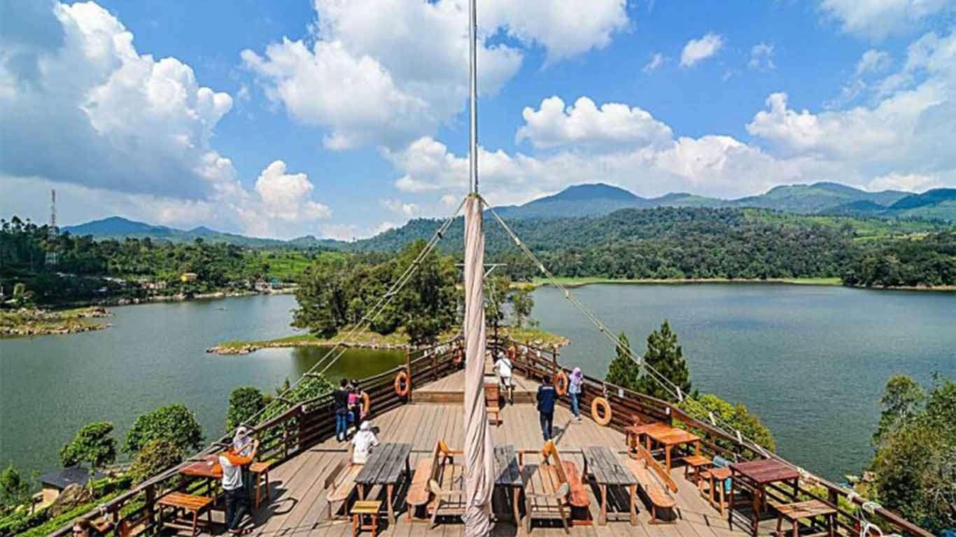 glamping lakeside ciwidey booking