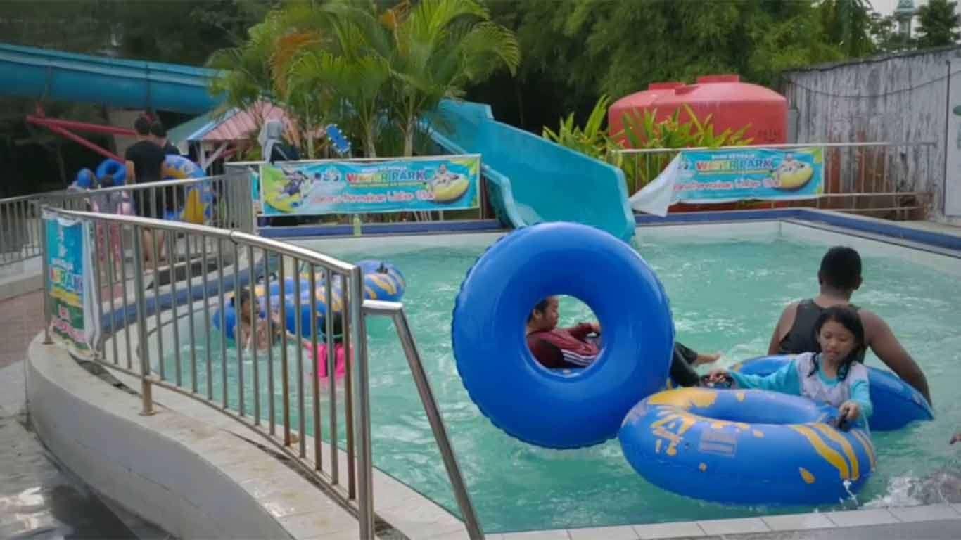 harga kolam renang water park