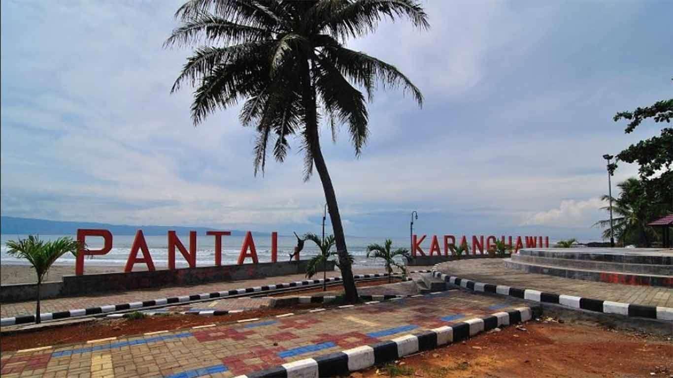 Harga Tiket Pantai Karang Hawu Sukabumi