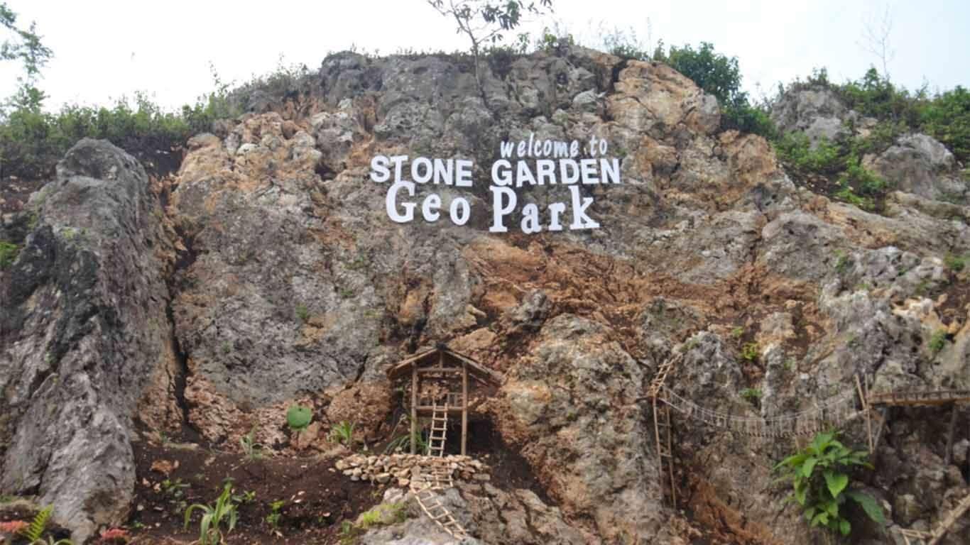 tempat wisata di bandung stone garden