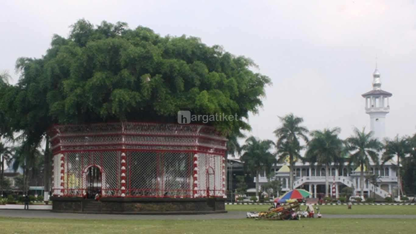 Tempat Wisata Di Blitar Terbaru Dekat Stasiun Gambar Info