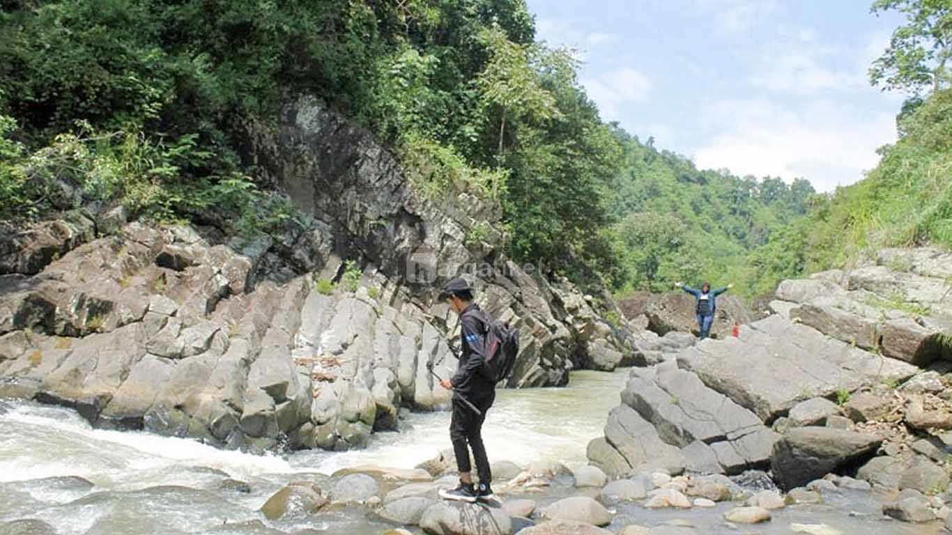Batu Paraga (Paraga Stone) Salopa