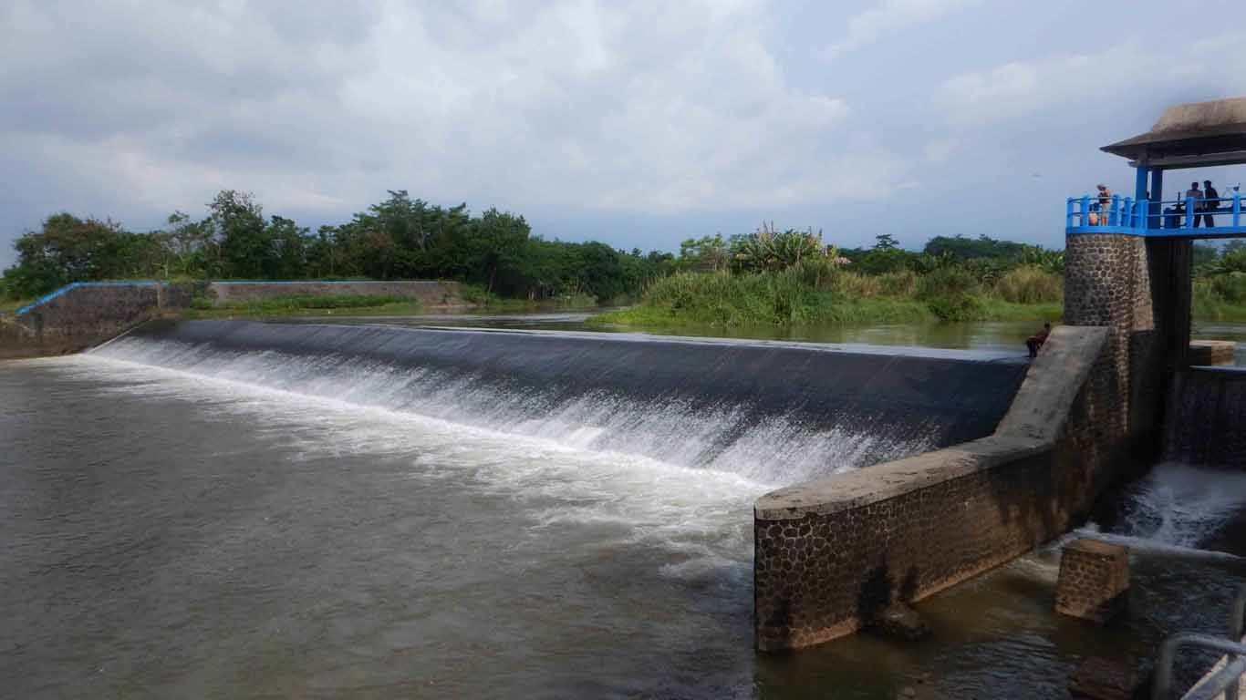 Bendungan Sungai Kletak