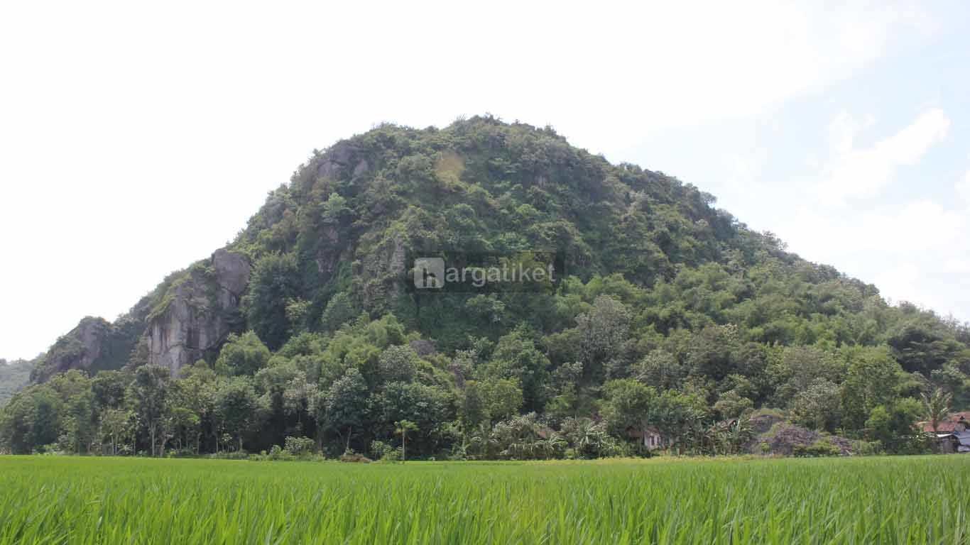Gunung Pegat Ponggok Srengat
