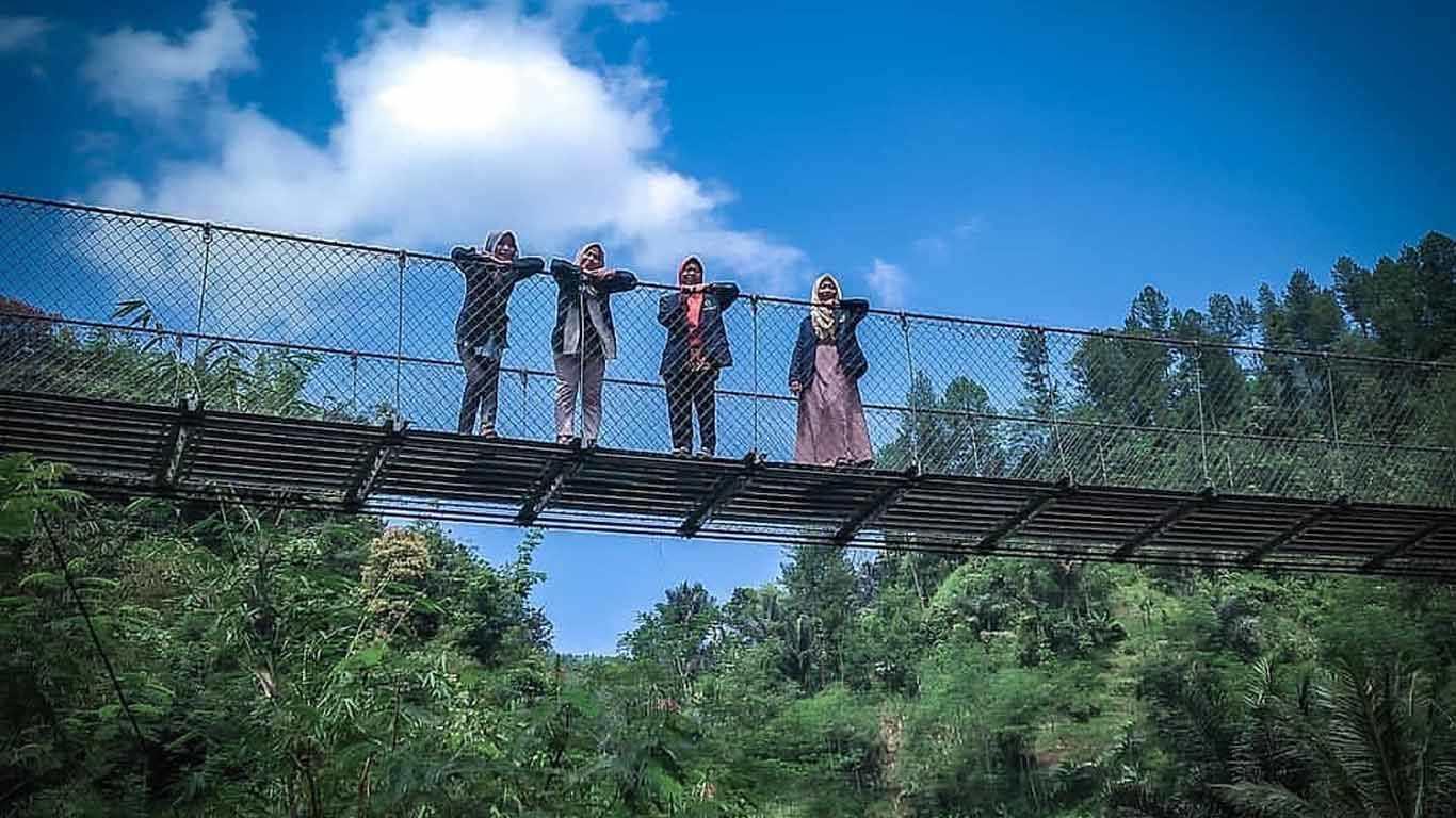 Jembatan Gantung Timbangsari