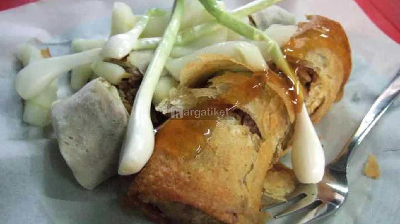 Lumpia, Makanan Khas Semarang (Loenpia Mbak Lien)