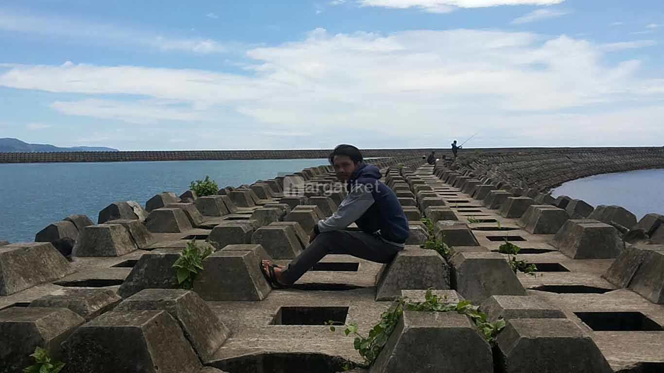Pantai Batu Bintang