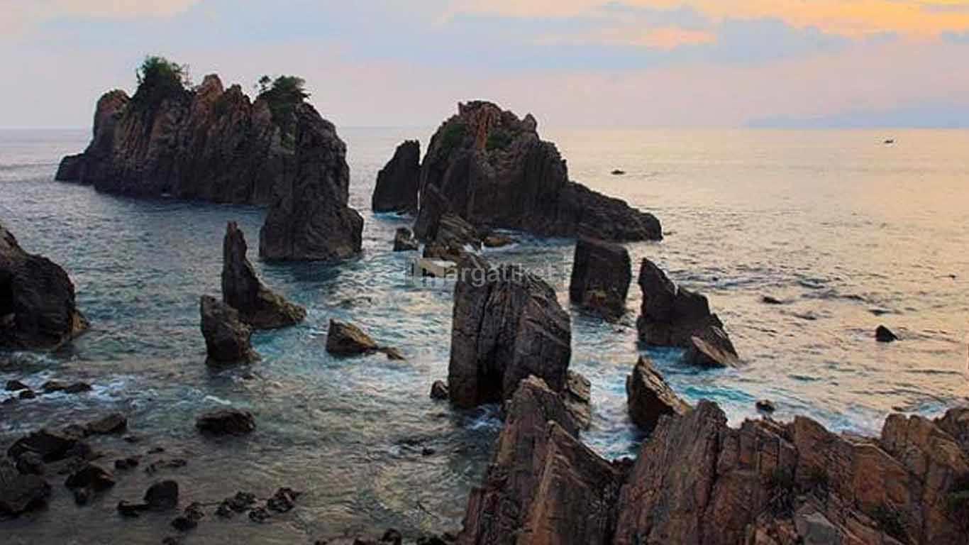 Pantai Batu Naga