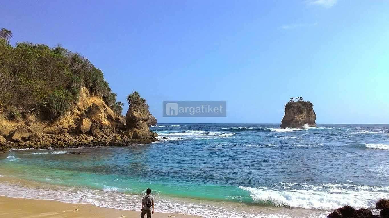 Pantai Dung Dowo