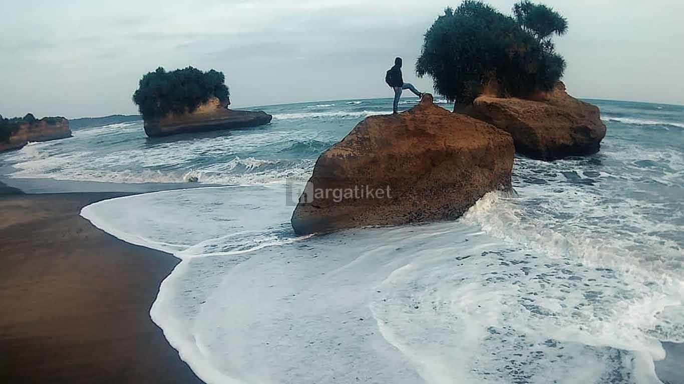 Pantai Panganten atau Pamunguan
