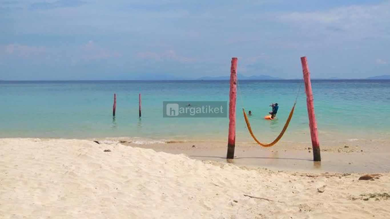 Pantai Pasir Putih Keuneukai