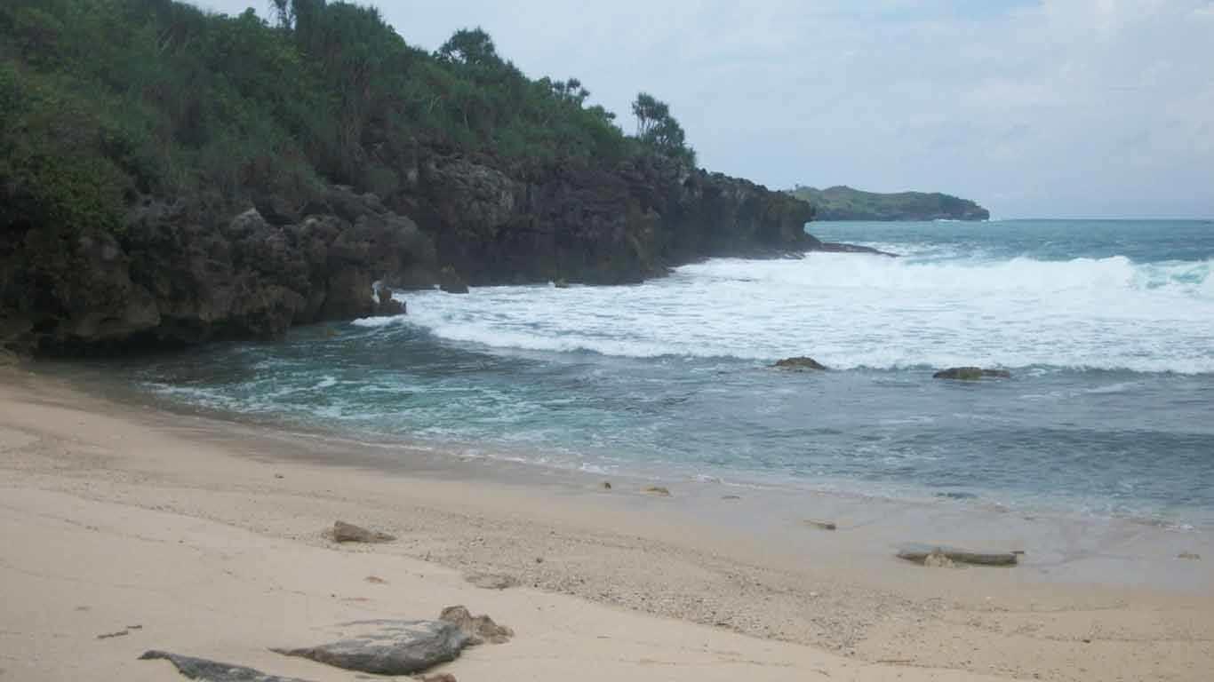 Pantai Selok Kancil