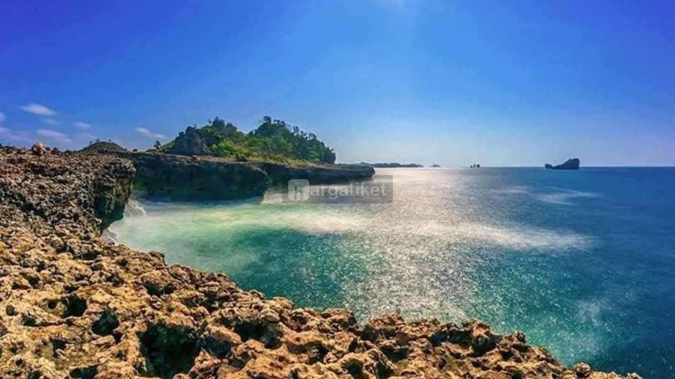 Pantai Watu Lepek