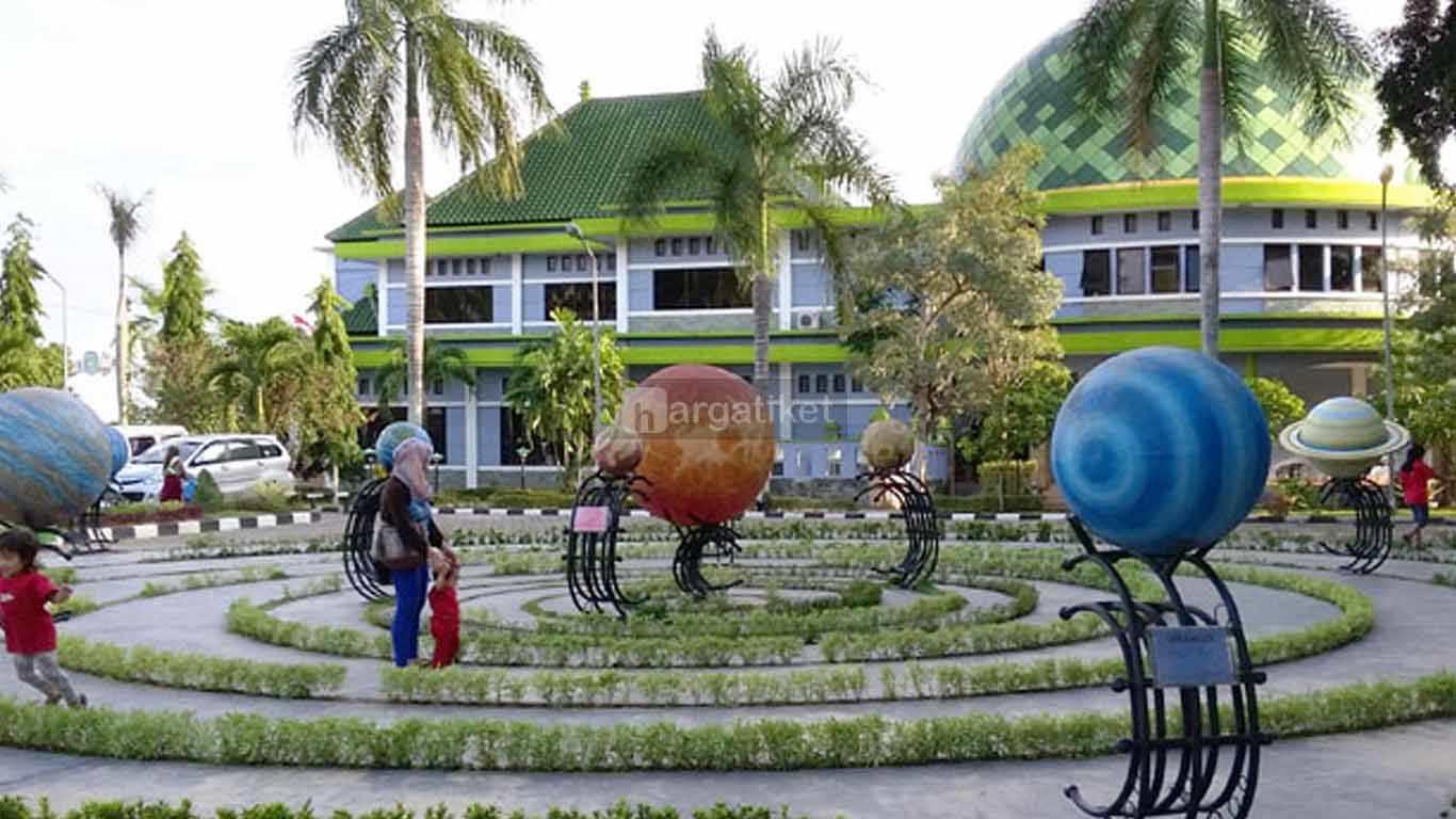 Taman Tata Surya