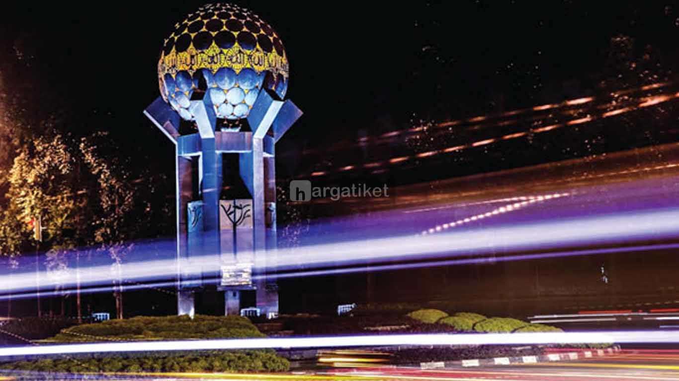 Tugu Adipura Kota Tangerang