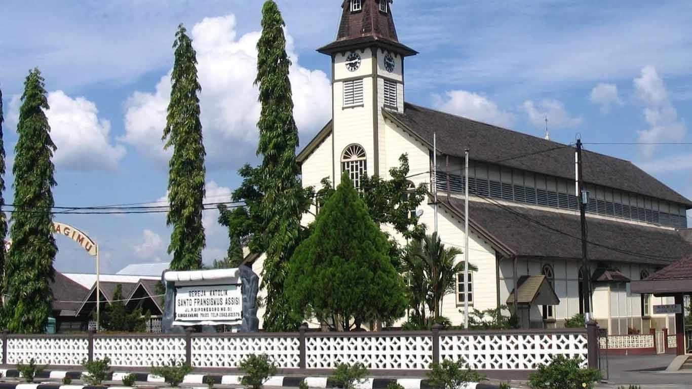 gereja katolik santo fransiskus asisi