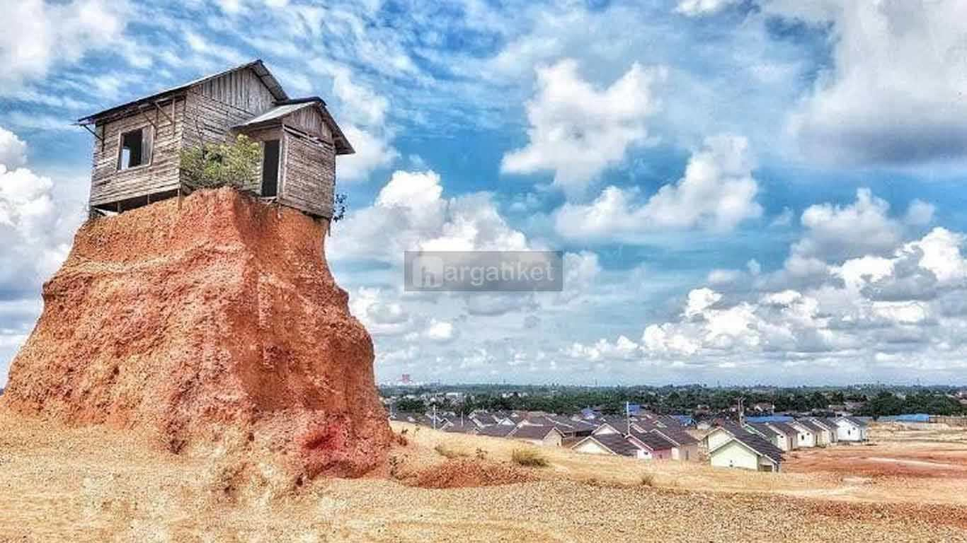 Wisata Rumah Sangkut Gunung Kupang atau Rumah Jomblo