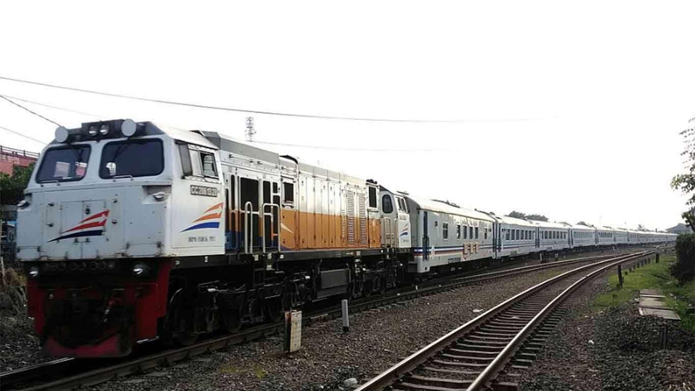 jadwal kereta api gumarang 2019