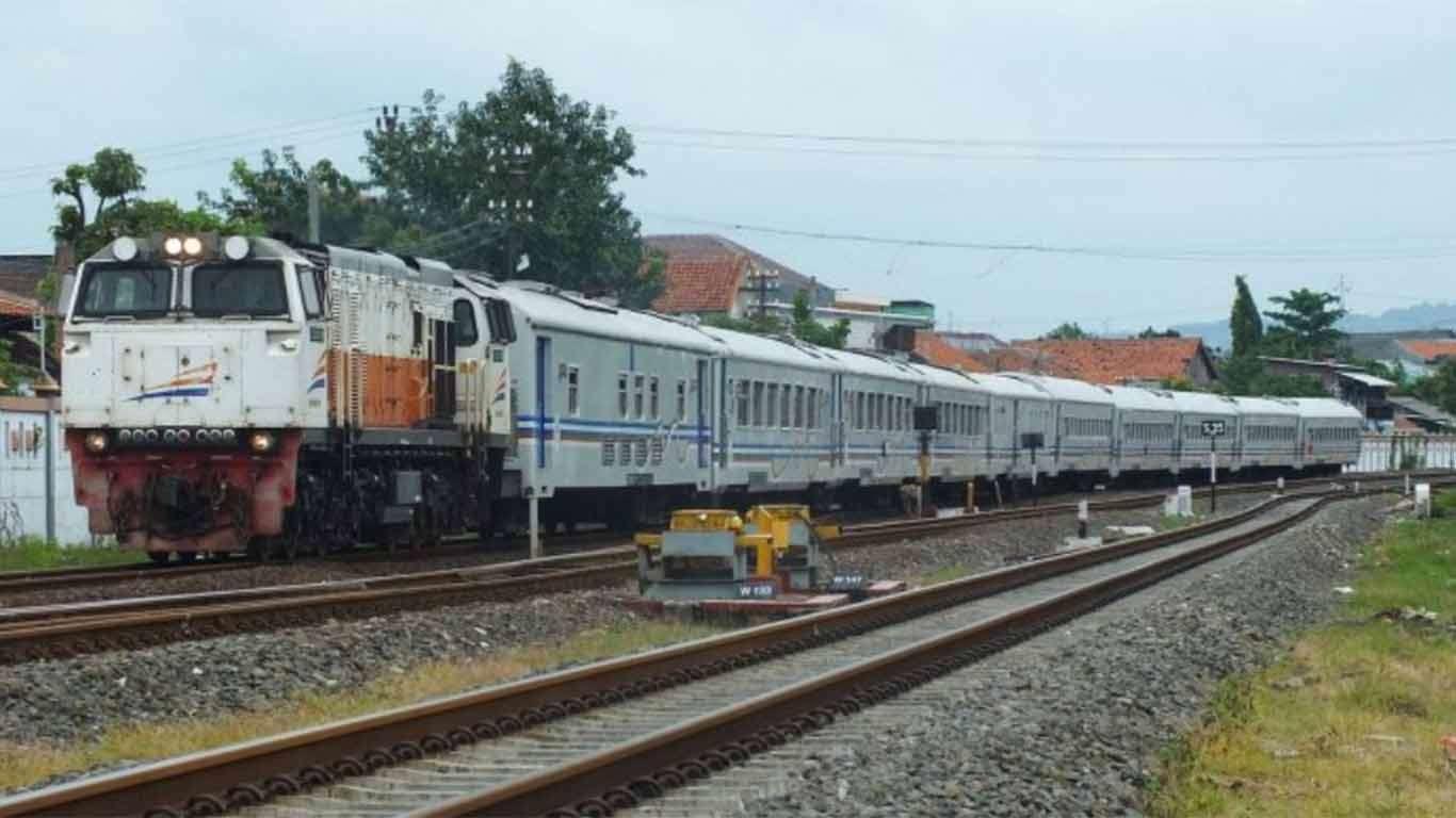 jadwal kereta api kutojaya utara 2019