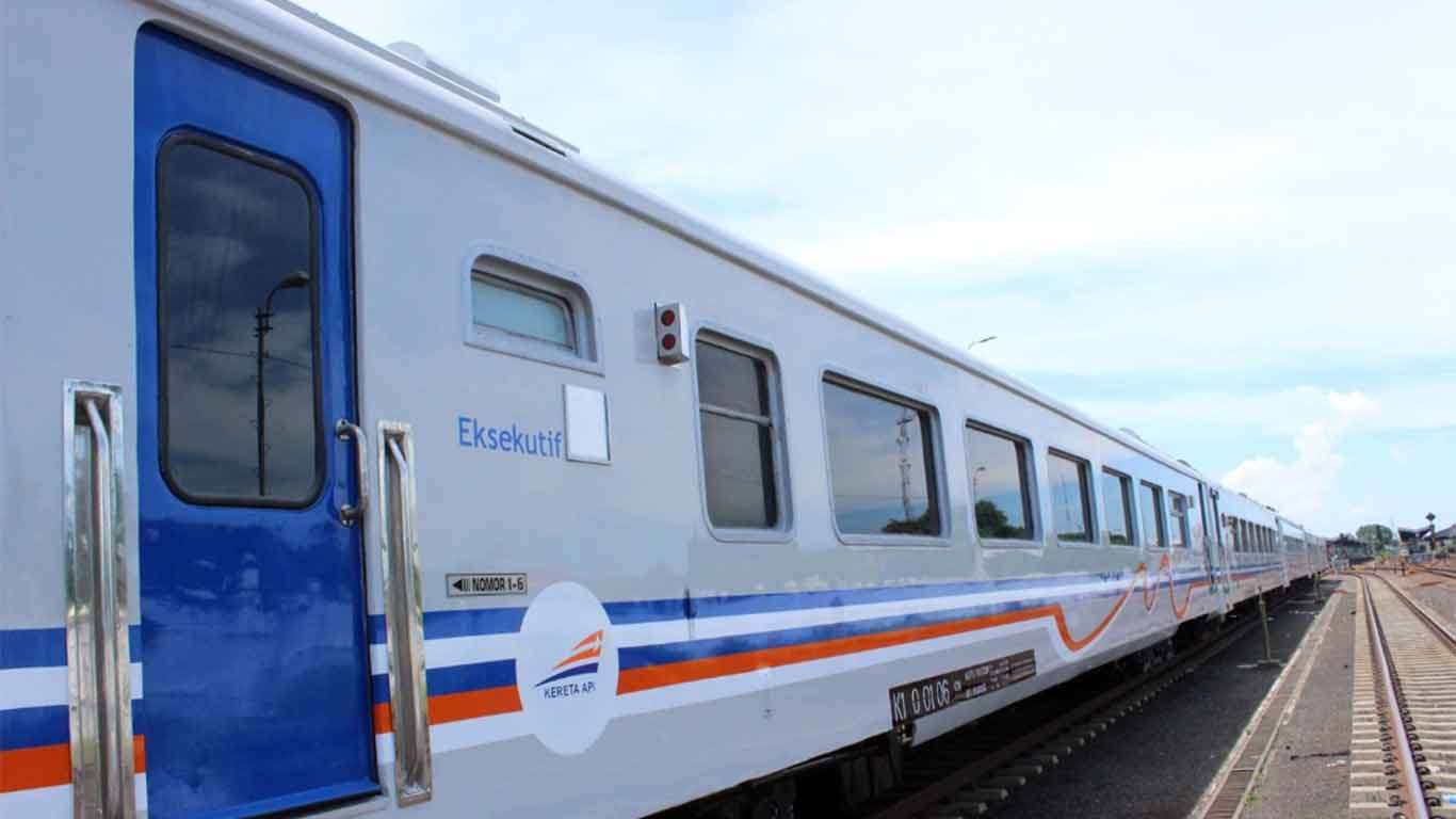 jadwal kereta api ranggajati 2019