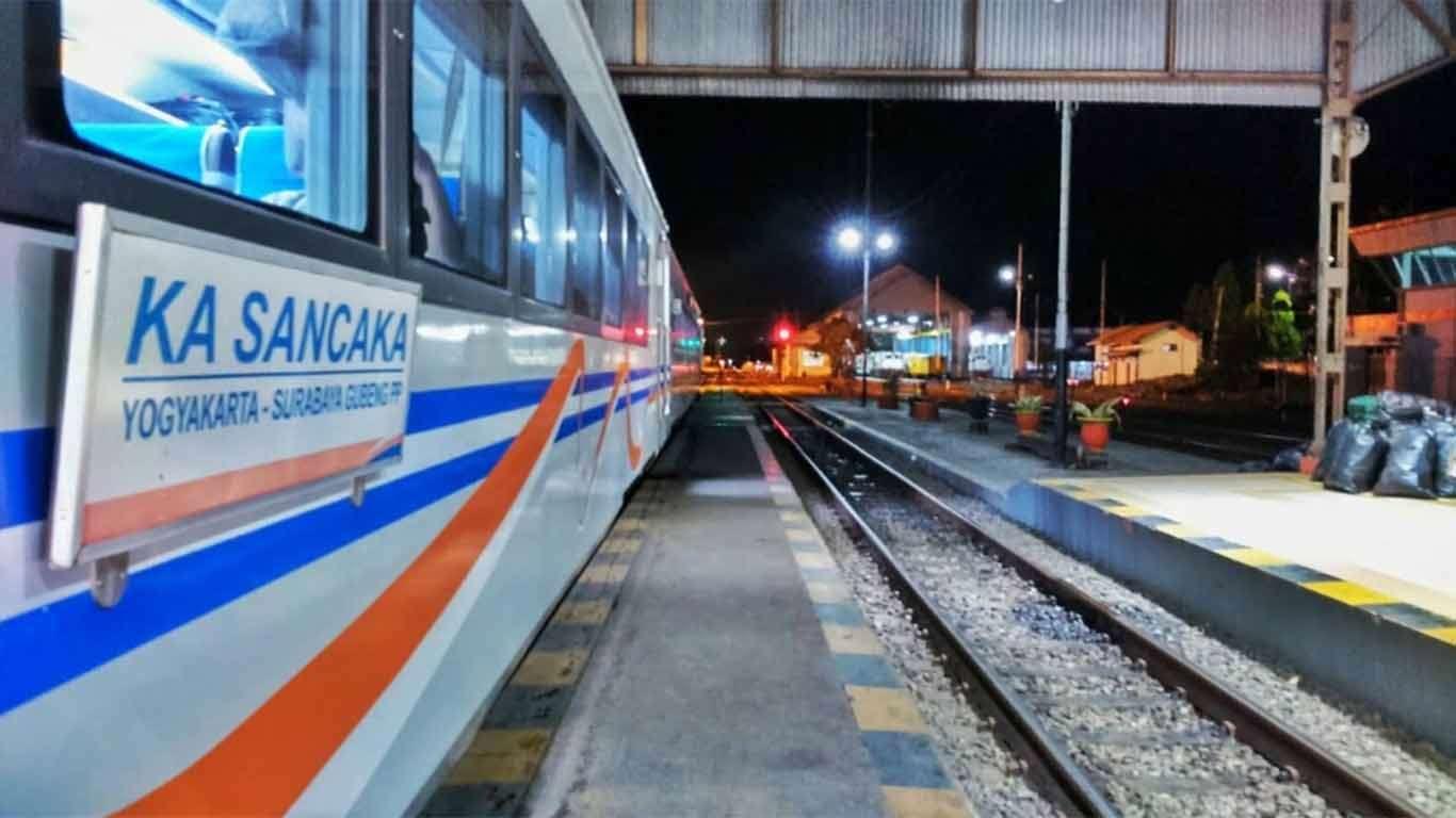 jadwal kereta api sancaka 2019