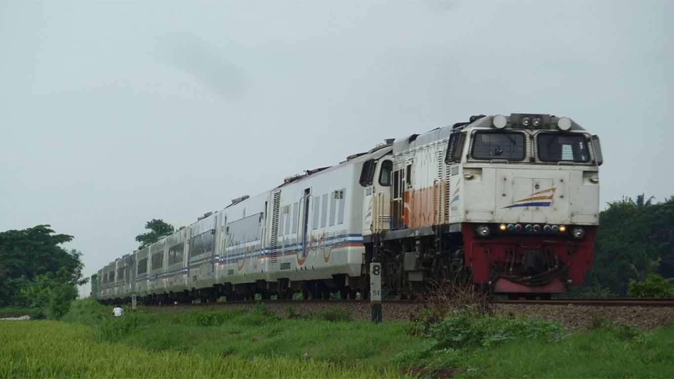 Jadwal Kereta Api Senja Utama Cirebon