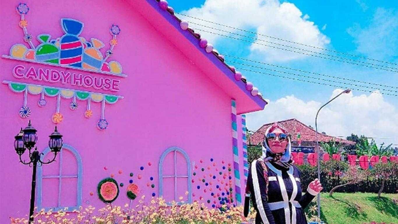 Candy House happy farm ciwidey