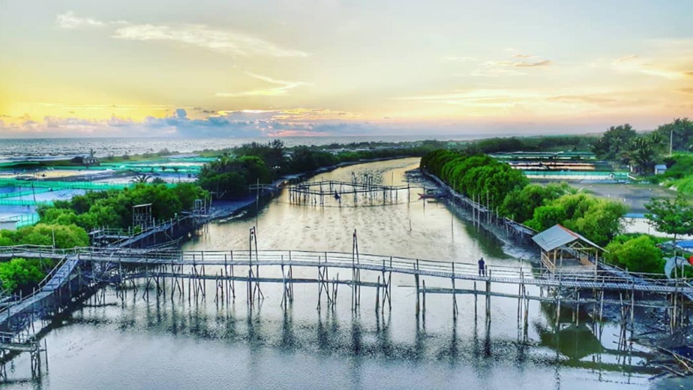 Pantai Pasir Kadalingu
