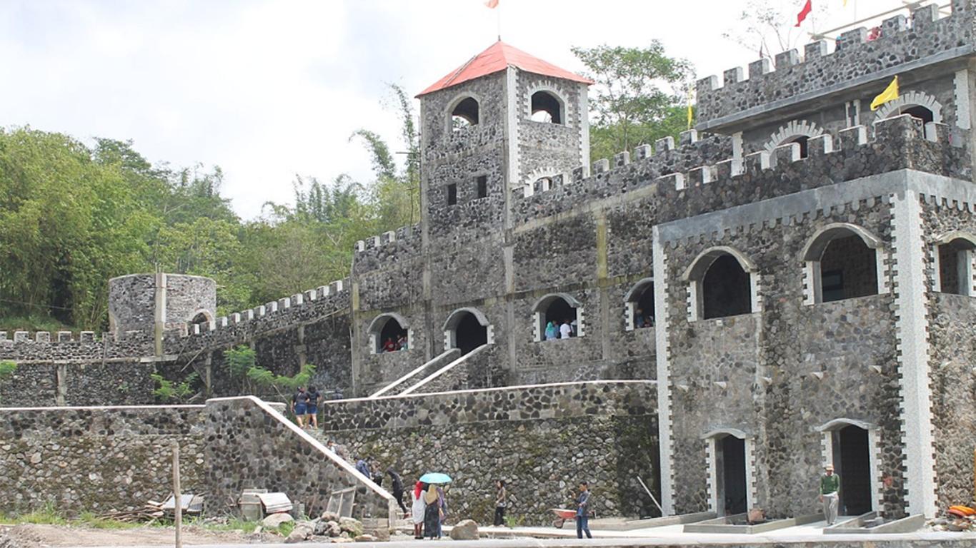Harga Tiket Masuk The Lost World Castle
