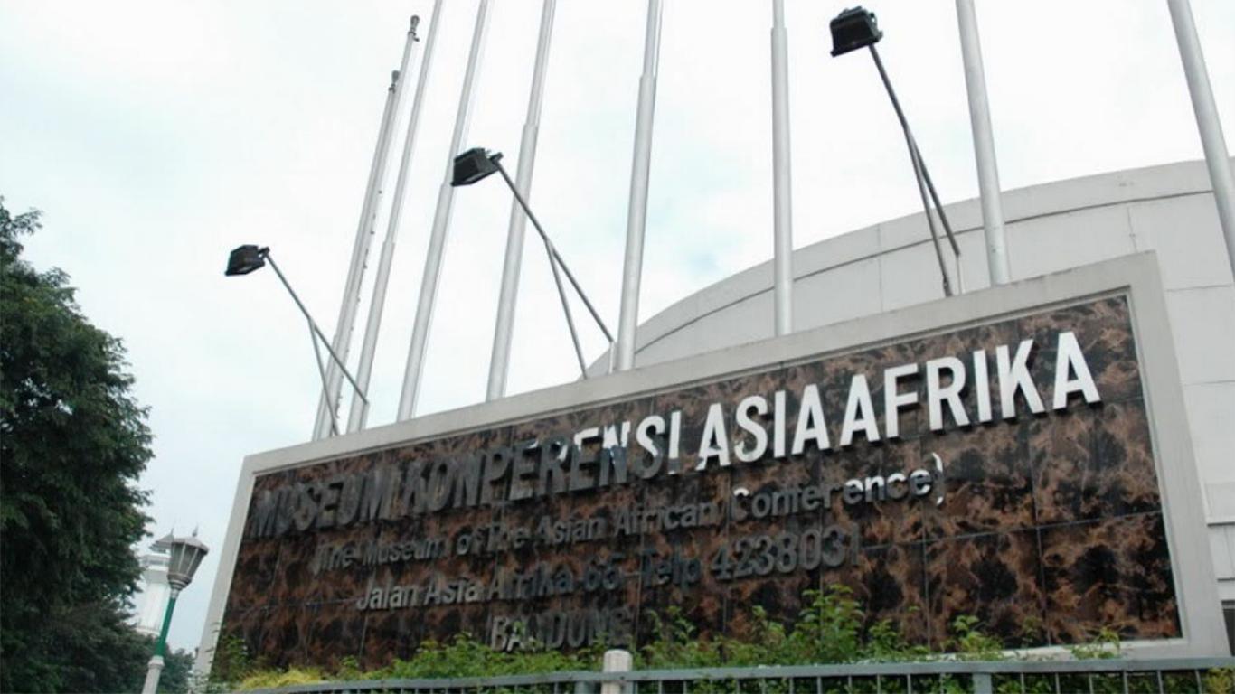 isi museum konferensi asia afrika