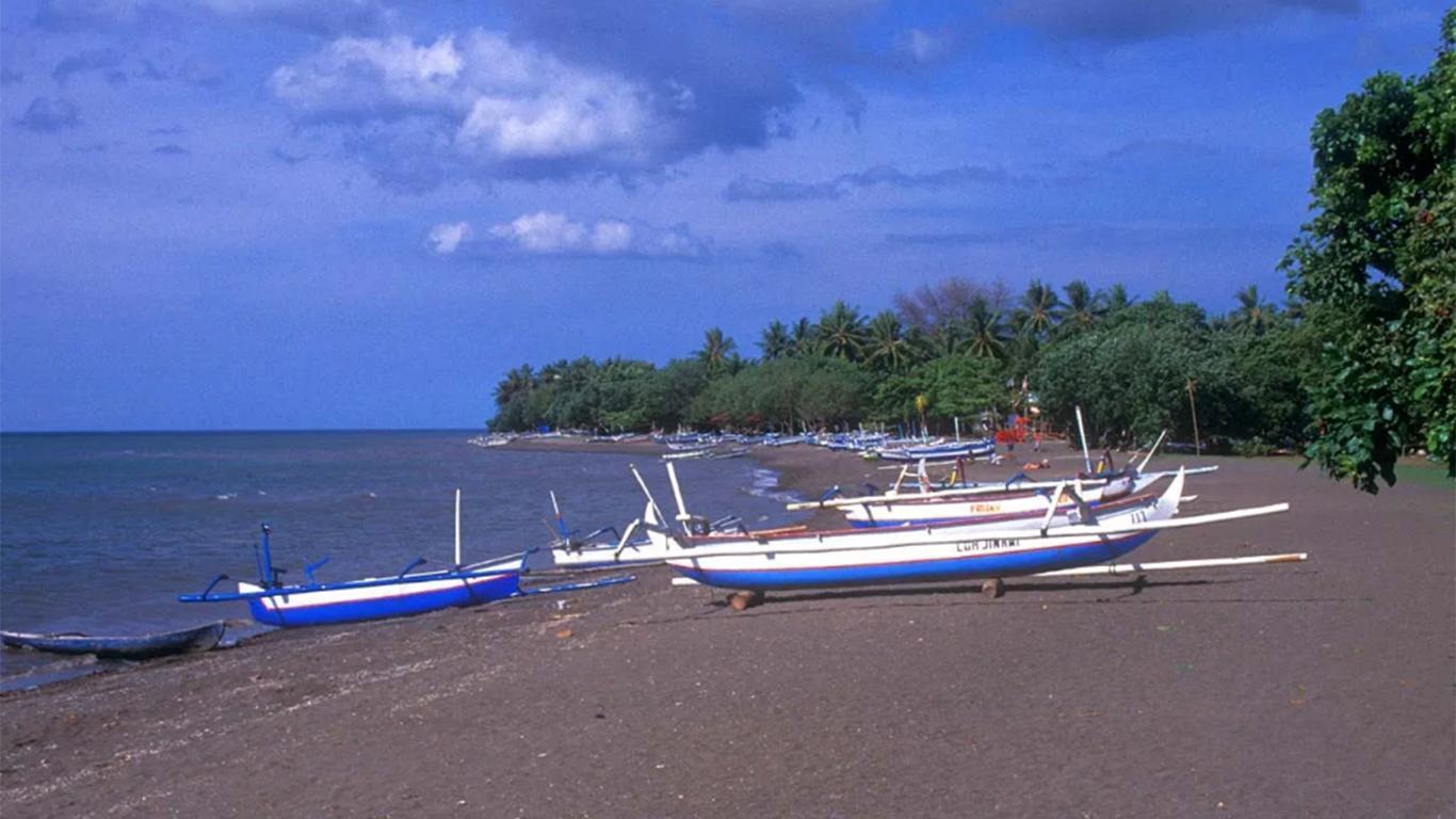 pantai lovina indonesia