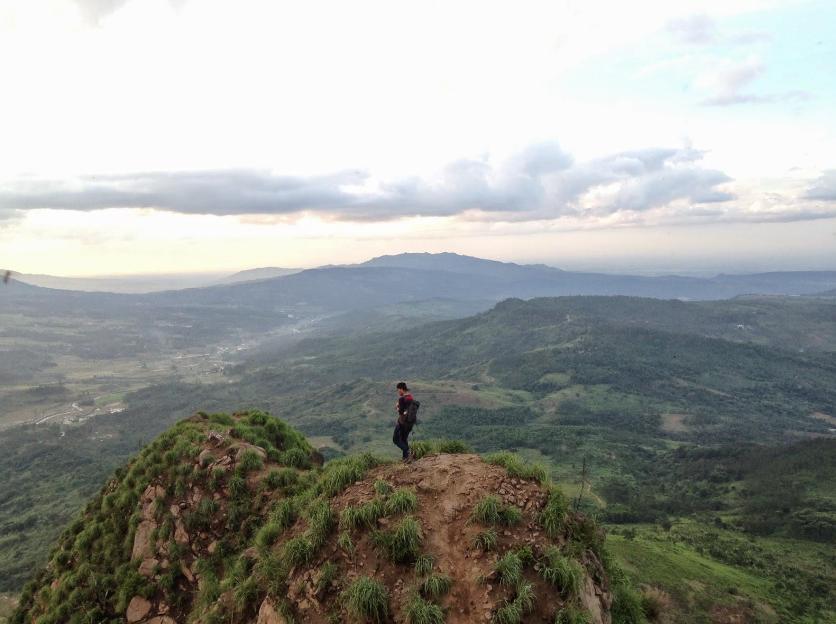 Harga Tiket Gunung Batu Jonggol