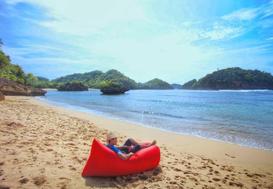 Harga Tiket Pantai Teluk Asmoro