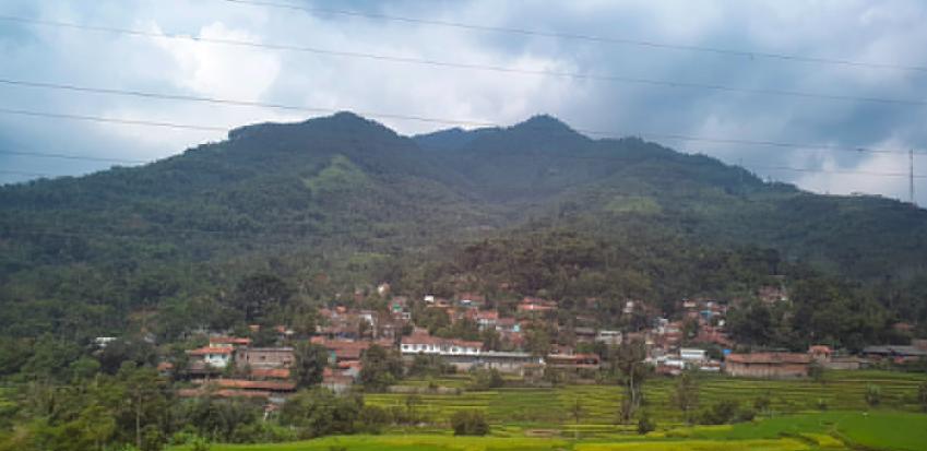 Gunung Cakrabuana
