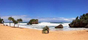 Harga Tiket Pantai Ngrawe