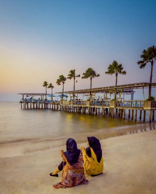 Pantai Teluk Awur