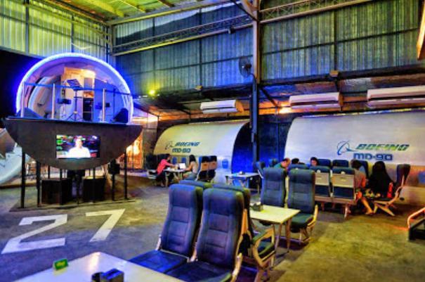 The Captain Urban Lounge