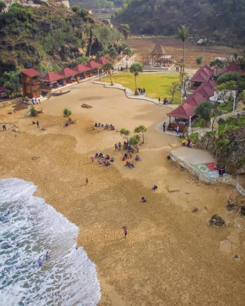 wisata pantai ngrawe